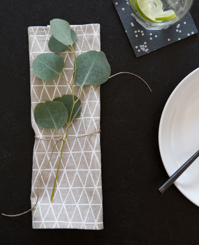 Easy tabletop decor - geometric napkin with greenery