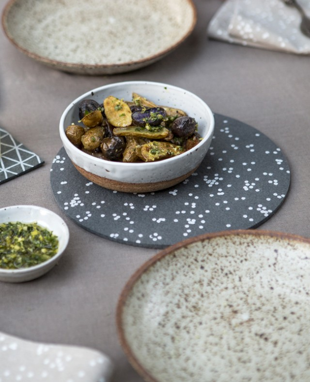 How to use a trivet to set a modern table