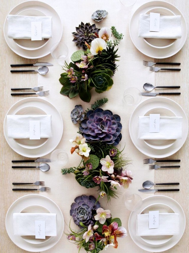 Beautiful table setting - how to fold napkins for dinner parties